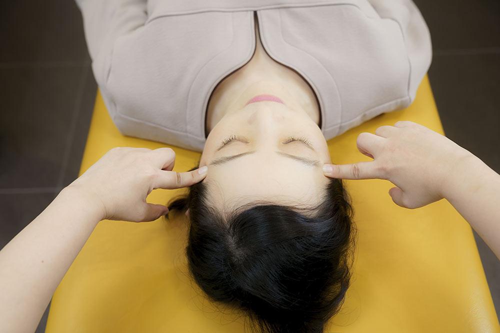 不眠症の改善は、骨格・筋肉・神経のバランスを整える